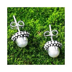 Sterling Silver 'Discretion' Pearl Stud Earrings (6 mm) (Indonesia)
