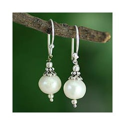 Sterling Silver 'Mumbai Moonlight' Pearl Earrings (10 mm) (India)
