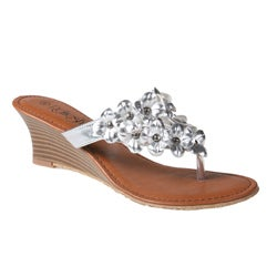 Refresh by Beston Women's 'Taylor-03' Silver Wedge Sandals