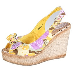Refresh by Beston Women's 'Tamara-05' Floral Wedge Slingbacks