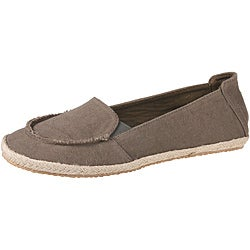 Refresh by Beston Women's 'Lala' Taupe Canvas Flats