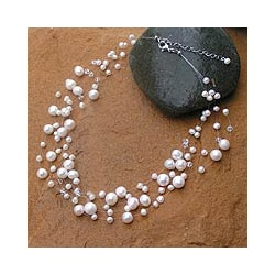 Pearl &#39;Ivory Fishnet&#39; Necklace (4 mm and 10 mm) (Thailand)