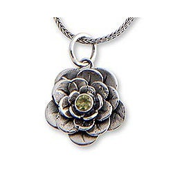 Sterling Silver 'Holy Lotus' Peridot Flower Necklace (Indonesia)