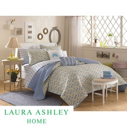 Laura Ashley 'Carlie' Blue Full/Queen-size Quilt