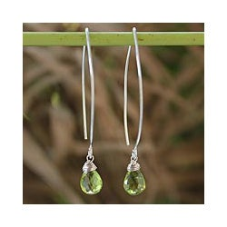 Sterling Silver Handcrafted 'Sublime' Peridot Earrings (Thailand)