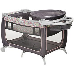 Safety 1st Satellite Sport Playard in Chloe