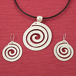 Handcrafted Alpaca Silver &#39;Hammered Swirl&#39; Necklace and Earrings Set (Mexico)