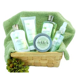 Nikki's Gift Baskets Deluxe Spa Day Gift Basket