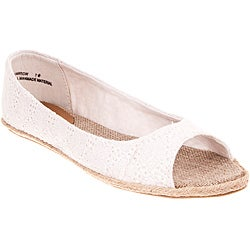 Riverberry Women's 'Harrow' White Eyelet Open-toe Flats