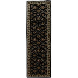 Hand-tufted Black/ Green Wool Rug (2'6 x 6')