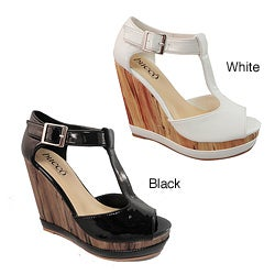 Bucco Women&#39;s &#39;Season&#39; White Wedge Sandals