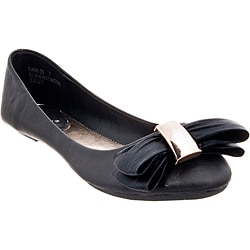 Riverberry Women's 'Sami' Black Bow-front Ballet Flats