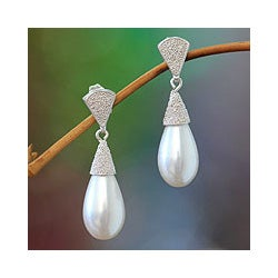 Sterling Silver 'Jakarta Dew' Pearl Earrings (13 mm) (Indonesia)