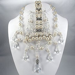 Ivory Pearls and Clear Crystal Jewelry Set