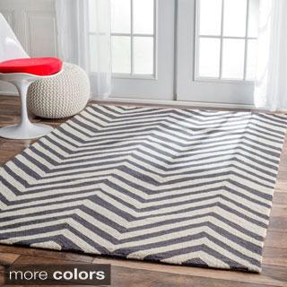 nuLOOM Handmade Alexa Chevron Wool Rug (8'6 x 11'6)