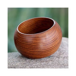 Handcrafted Sheesham Wood 'Nature's Embrace' Bangle Bracelet (India)