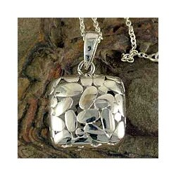 Sterling Silver 'Shining Cloud' Necklace (India)