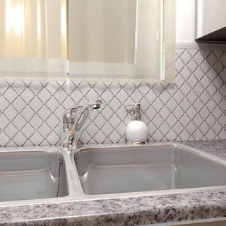 SomerTile 9.75x11-inch Casablanca Glossy White Porcelain Mosaic Floor and Wall Tile (Case of 10)