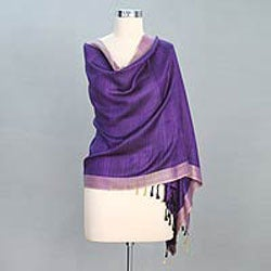Handcrafted Silk 'Bhagalpur Lily' Shawl (India)