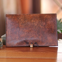 Handcrafted Leather 'Mellowed Fortune' Kindle Case (Ghana)