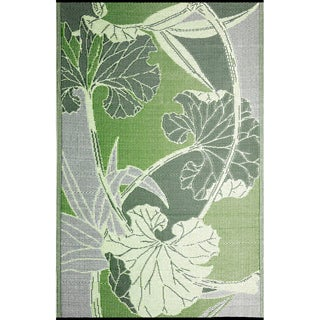 b.b.begonia Blossom Outdoor/ RV/ Camping Green/ Grey Reversible Patio Mat (8' x 20')