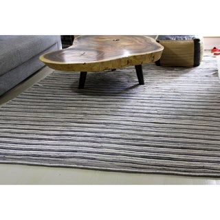 Handmade Ramble Natural Felt Striped Patchwork Designer Rug (4'6 x 6'6)
