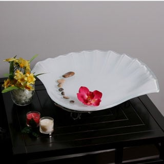White Glass Seashell-shaped Fruit Bowl with Stand