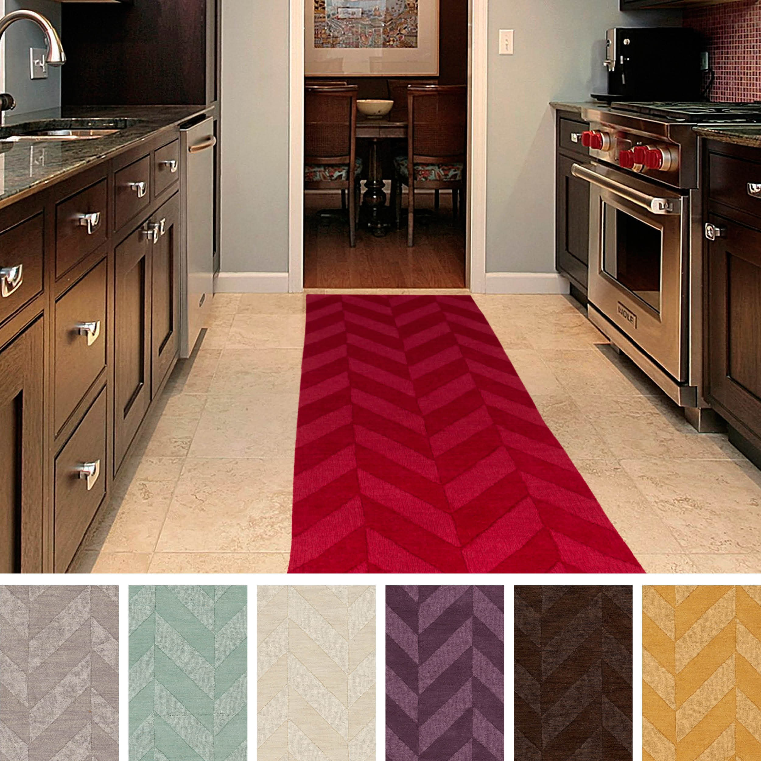 Artistic Weavers Hand-woven Ann Tone-on-Tone Geometric Zig-Zag Wool Area Rug (2'3 x 12')