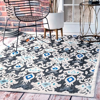 "nuLOOM Indoor/ Outdoor Ikat Fancy Porch Rug (7' 7"" x 10')"