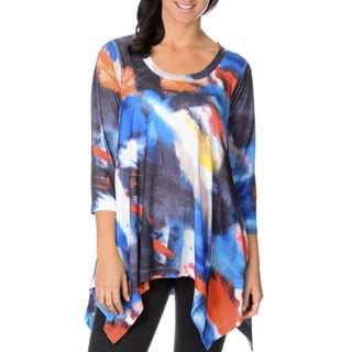 Chelsea & Theodore Women's Abstract Print Sharkbite Top
