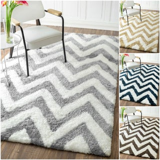 nuLOOM Handmade Cozy Soft and Plush Chevron Shag Rug (3' x 5')
