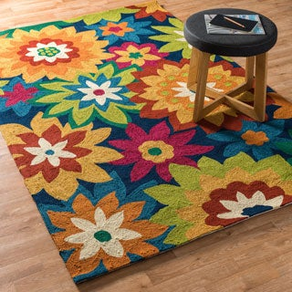Hand-hooked Indoor/ Outdoor Capri Navy/ Multi Floral Rug (5'0 x 7'6)