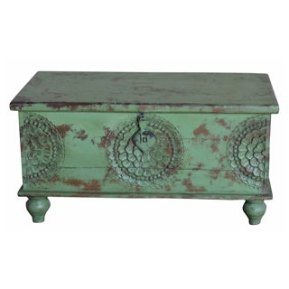 Wanderloot Leela Green Hand-carved Medallion Coffee Table Trunk (India)