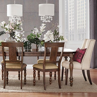 Cordelia Traditional Planked Top Extending Dining Table