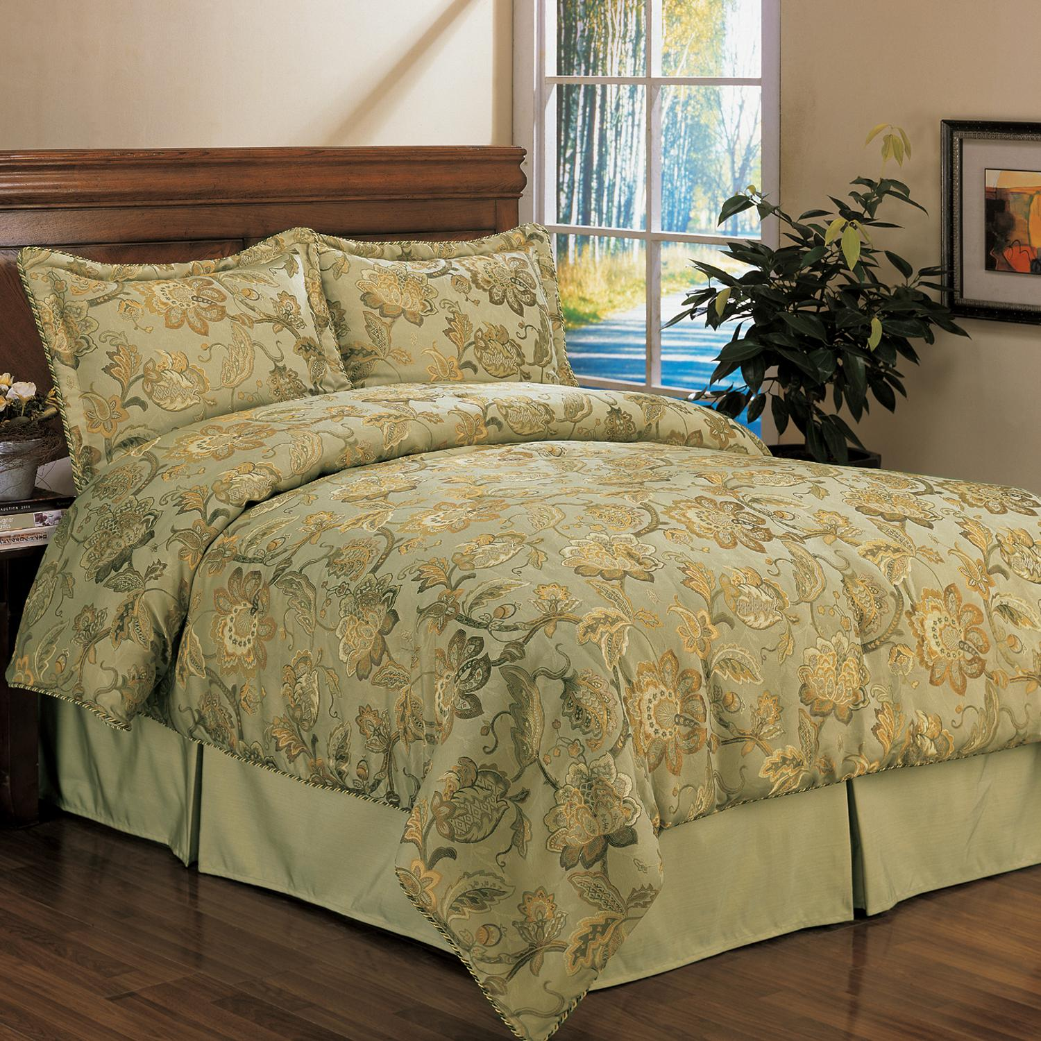 Serenade Spring 4 Piece Queen Size Comforter Set