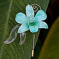 Goldplated Natural Orchid 'Baby Green' Stickpin (Thailand)