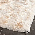 Hand-woven Silken Ivory Shag Rug (5&#39; x 7&#39;)
