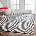 nuLOOM Handmade Alexa Chevron Wool Rug (5' x 8')