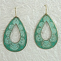 Handcrafted Green &#39;RainDrop&#39; Earrings (India)