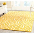 Safavieh Handmade Moroccan Cambridge Gold/ Ivory Wool Rug with Durable Backing (8' x 10')