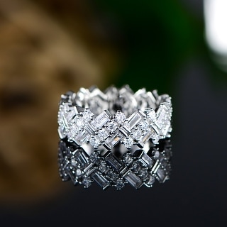 18K White Gold Overlay Ring Made with Shimmering Swarovski Elements