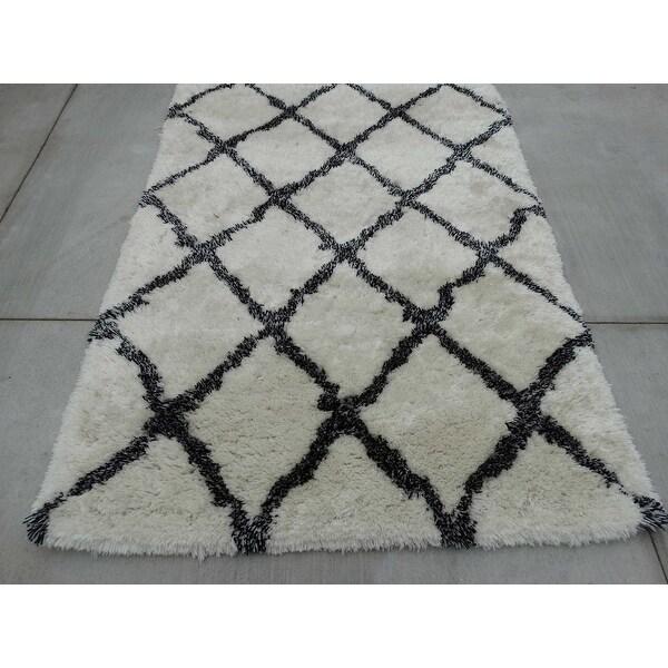5x7 feet super soft shag shaggy white black wool carpet rug modern contemporary hand tufted wool. Black Bedroom Furniture Sets. Home Design Ideas