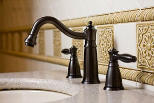 Old-fasioned bonze faucet