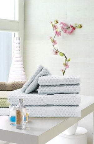 How to Sanitize Bath Towels