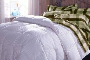 Things to Know Before Choosing a White Down Comforter