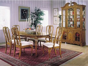 Tips on Buying a China Hutch