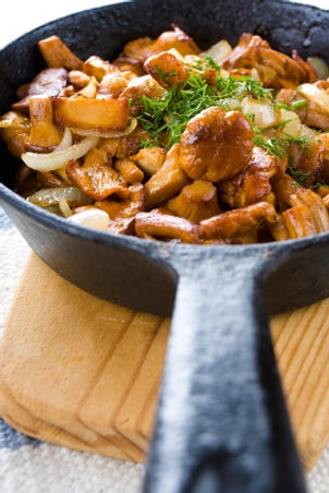 Tips on Cooking with a Cast-iron Skillet