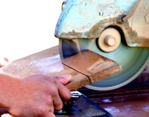 How to Buy a Wet Saw