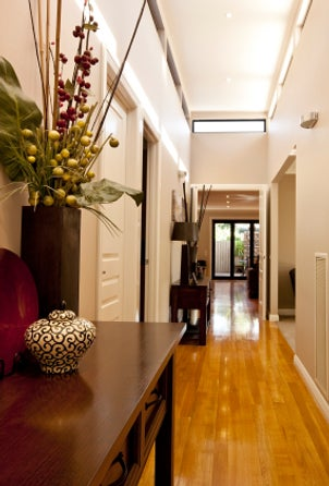 Hall Decorating Ideas on Narrow Hallway Decorating Ideas   Reviews And Photos