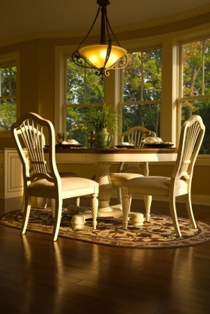 How to Decorate Your Dining Room with Round Area Rugs